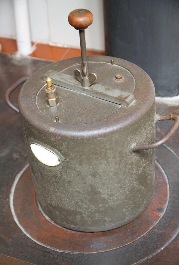 烹饪器材压葡萄酒 免版税库存照片