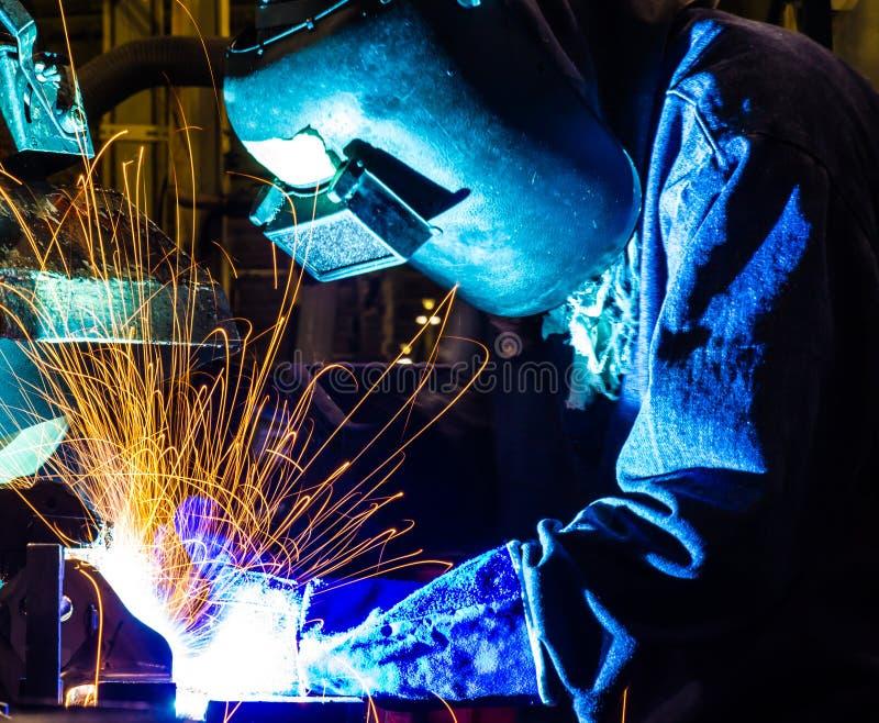焊工工业汽车零件 库存照片