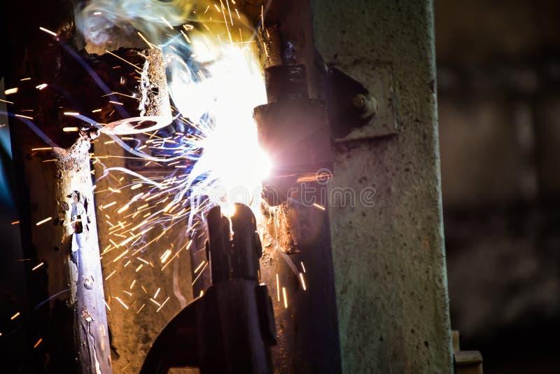 焊接的铁修理房子门 库存图片