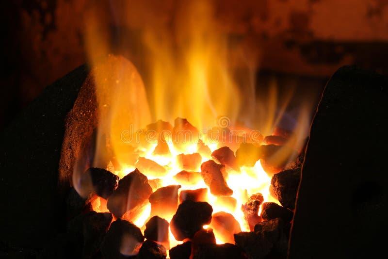 焦炭火炉用具融解准备好 免版税库存图片