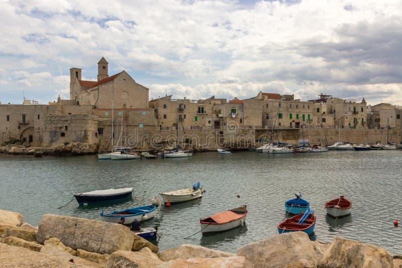 焦维纳佐市在普利亚在意大利 免版税库存照片