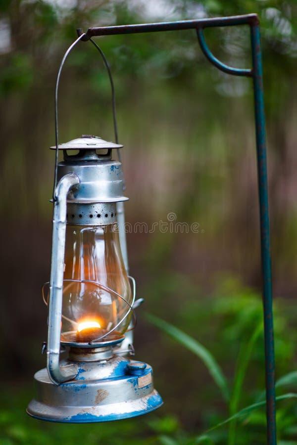煤油灯偶尔地仍然使用了 库存照片