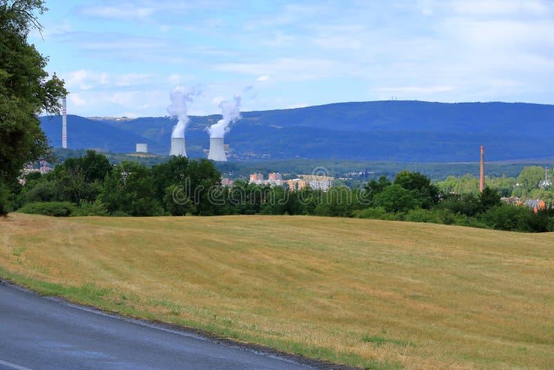 煤炭在Chomutov附近的火力厂,捷克共和国 免版税库存图片