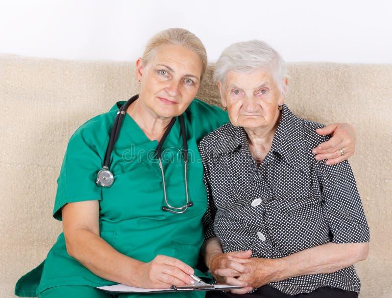 照料者和患者 免版税库存照片