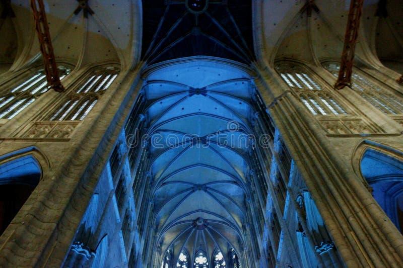 照明在大教堂里在博韦法国 图库摄影