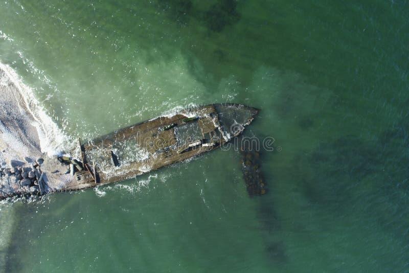照片一艘老木船的遗骸 免版税图库摄影