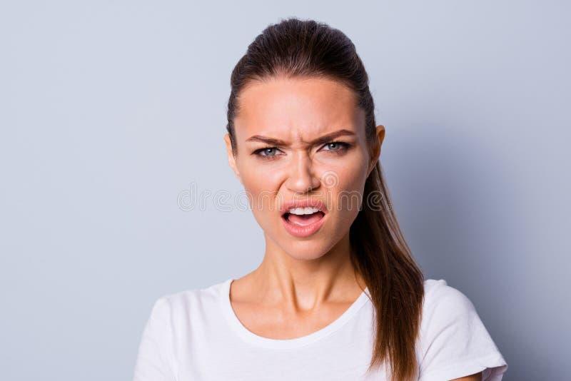 照片惊奇的关闭美好她她的夫人没有担心做鬼脸情况史诗失败的心情否认缺点有罪抱歉 库存图片