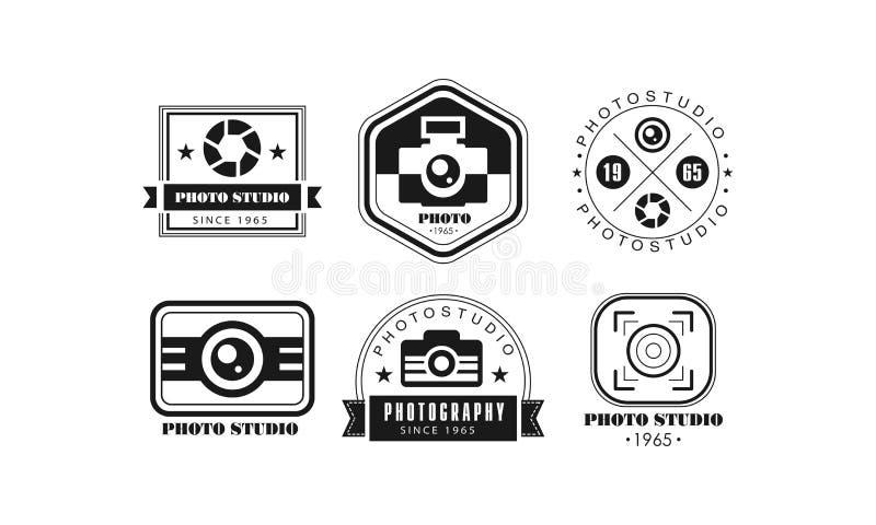 照片演播室商标集合,在白色背景的摄影黑减速火箭的徽章传染媒介例证 库存例证
