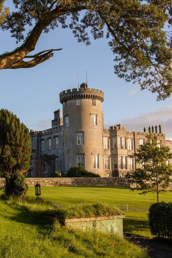 照片著名五星dromoland城堡旅馆和高尔夫俱乐部 免版税库存照片