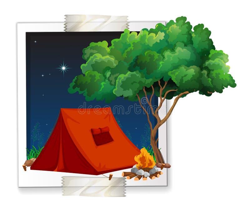 照片被拍摄帐篷在露营地 皇族释放例证