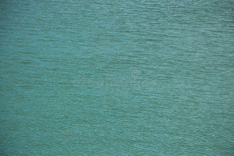 照片绿松石净水在湖 免版税库存图片