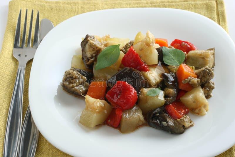 煮沸的油调味汁大豆蔬菜 库存照片