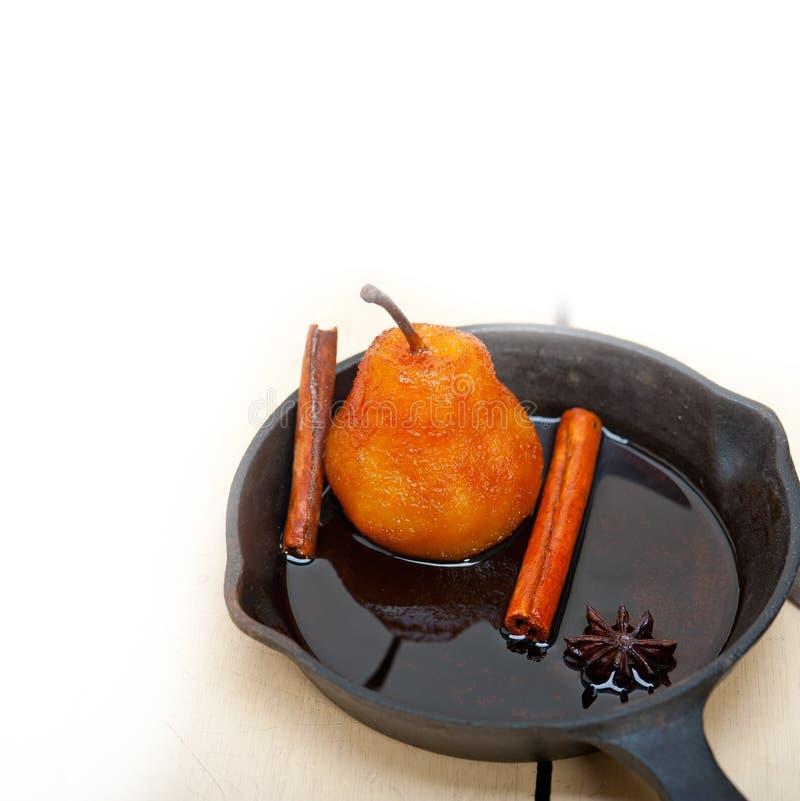 水煮的梨可口家庭做的食谱 库存图片