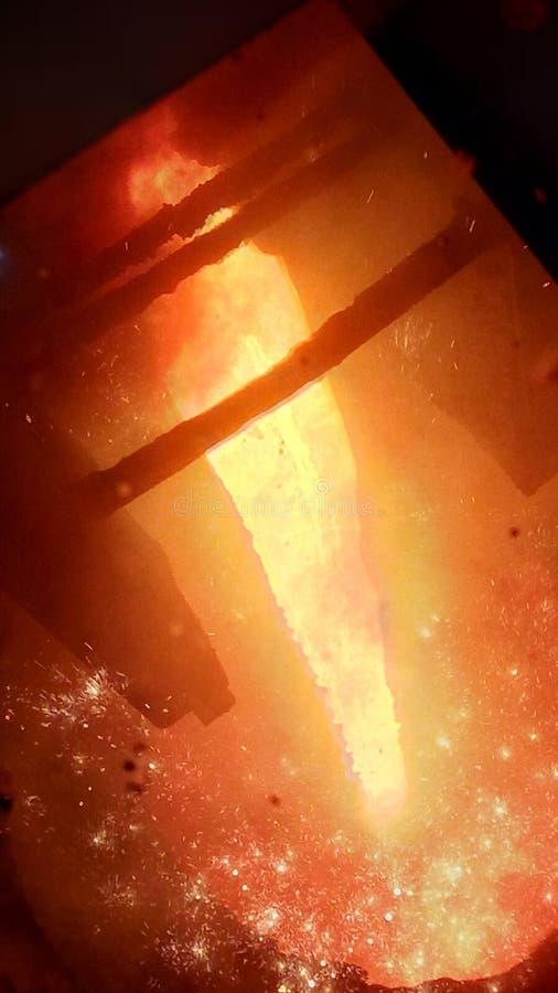 熔化的金属瀑布 免版税库存图片