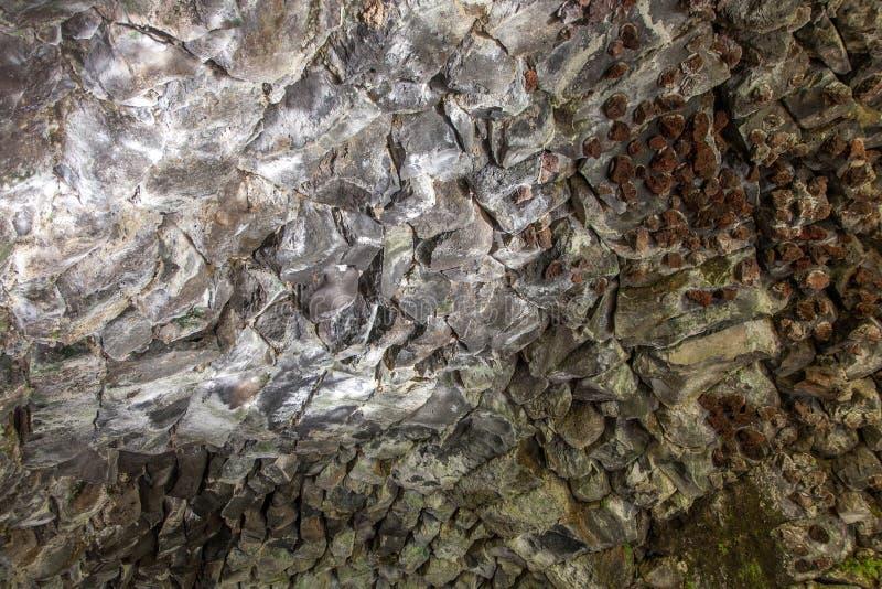 熔岩洞的墙壁 免版税库存照片