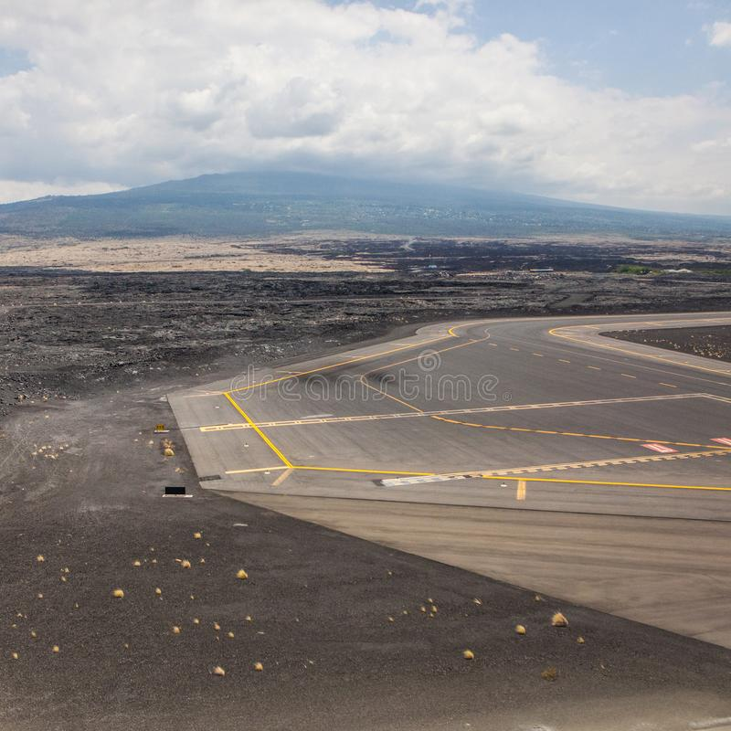 熔岩着陆带机场kona火山月亮黑色 库存照片