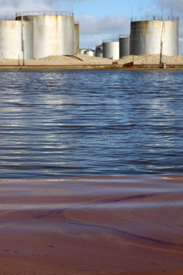 燃料污染水 库存图片