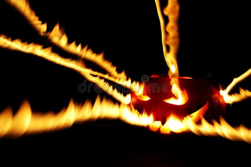 燃烧的万圣节南瓜 免版税图库摄影