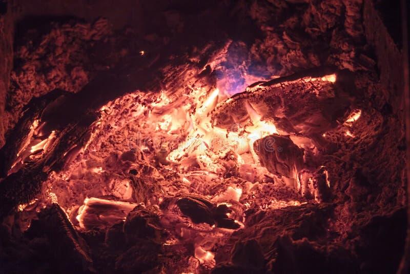 燃烧的煤炭,软的焦点 纹理,背景,摘要 免版税库存图片