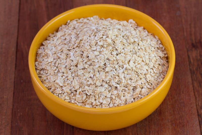 Download 燕麦剥落 库存照片. 图片 包括有 素食主义者, 问题的, 干燥, 产品, 充分, 未煮过, 燕麦粥, 剥落 - 30335014