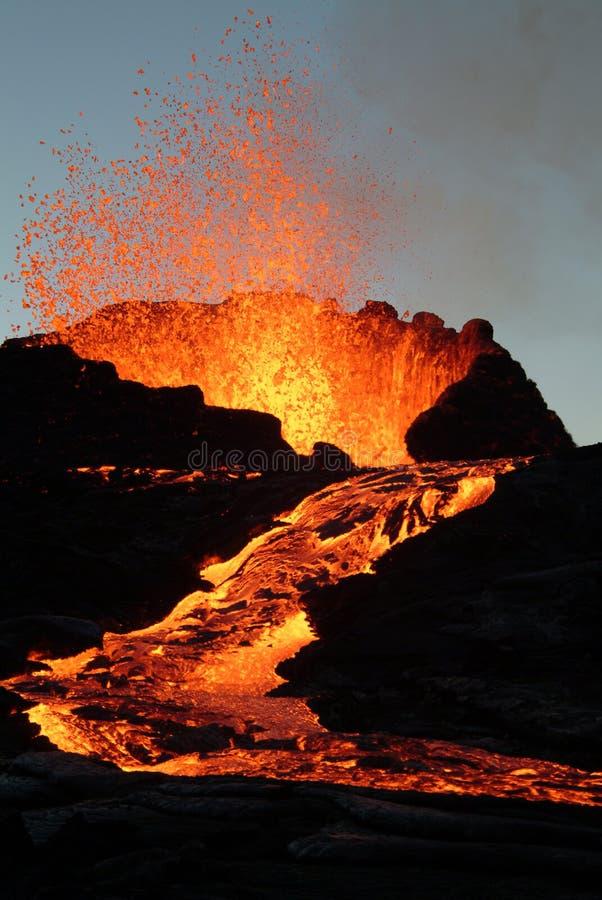 爆发火山 免版税图库摄影
