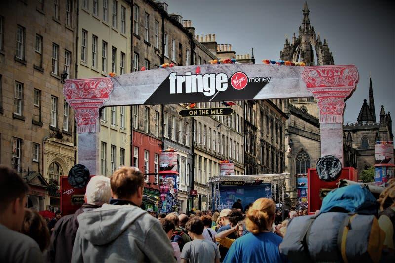爱丁堡,苏格兰/英国- 2018年8月14日:边缘节日是最大的艺术节在世界上 免版税库存图片