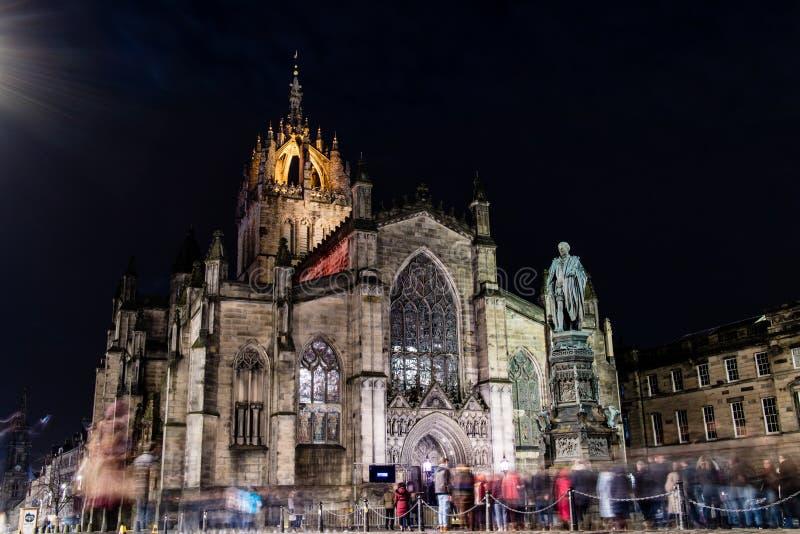 爱丁堡,英国- 12/04/2017 :圣Giles在晚上与 免版税图库摄影
