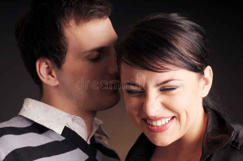 爱人纵向二年轻人 免版税库存照片