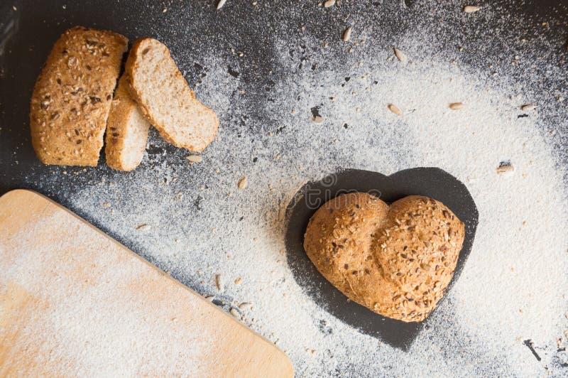 爱和激情全麦面包的 免版税图库摄影