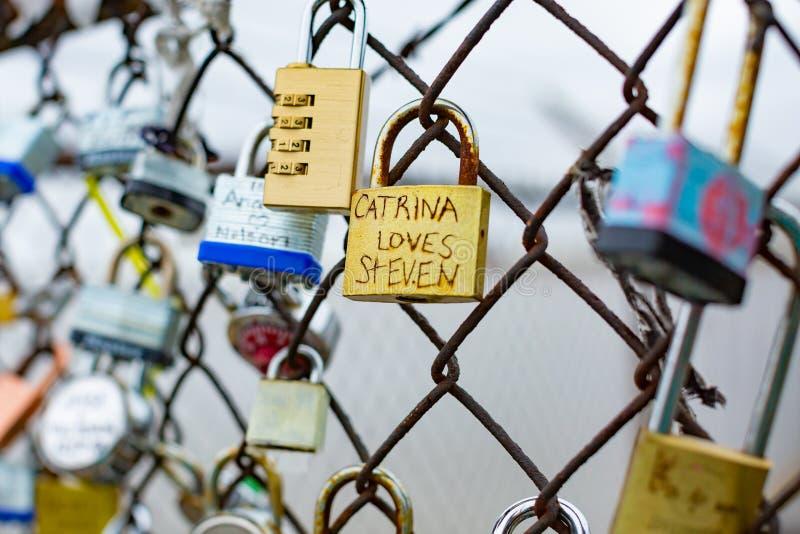 爱在篱芭锁在新奥尔良 库存照片