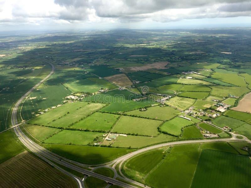 爱尔兰乡下鸟瞰图  免版税库存照片