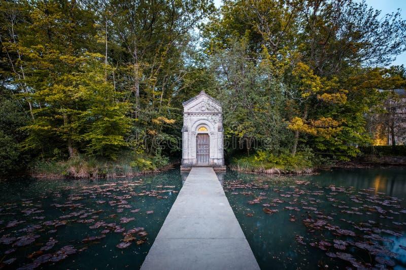 爱尔兰基尔代尔里昂崖喷泉 免版税库存照片