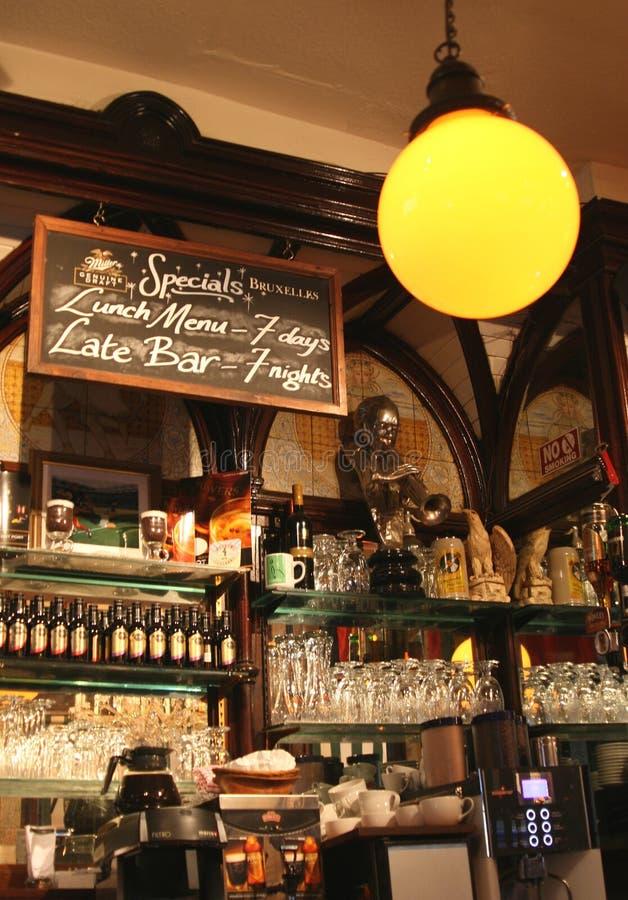 爱尔兰客栈的内部在都伯林 库存照片