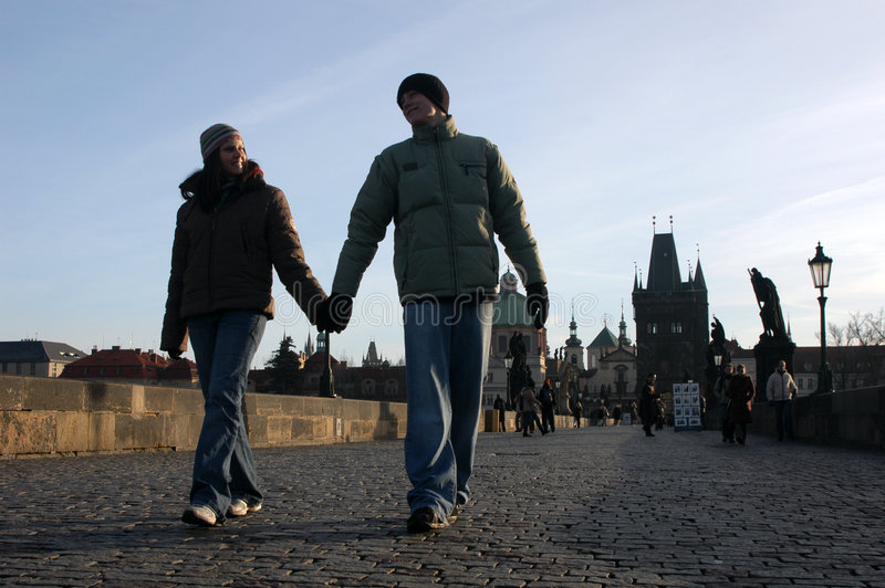 爱布拉格的夫妇 免版税库存照片