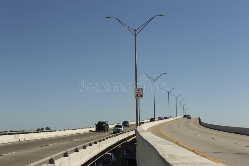 爱迪生桥梁在迈尔斯堡,西南佛罗里达 免版税库存照片
