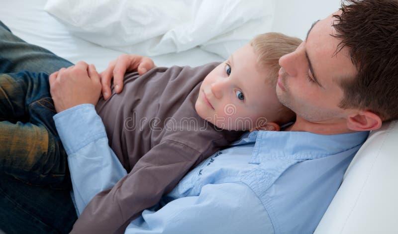 父亲儿子 免版税库存照片