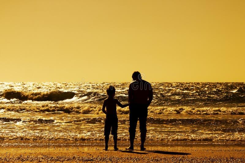 父亲和儿子 免版税库存图片