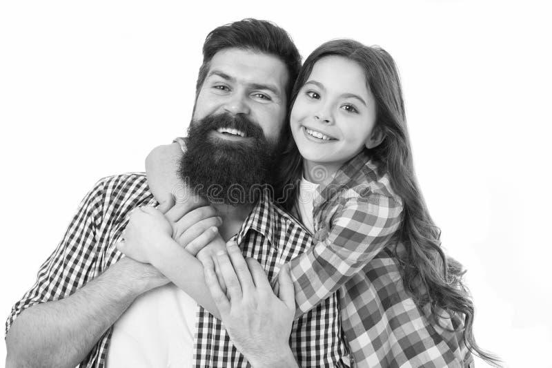 父亲和女儿拥抱白色背景 r 儿童和爸爸最好的朋友 友好的联系 父母身分和 库存照片