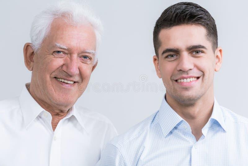 父亲愉快的儿子 库存照片