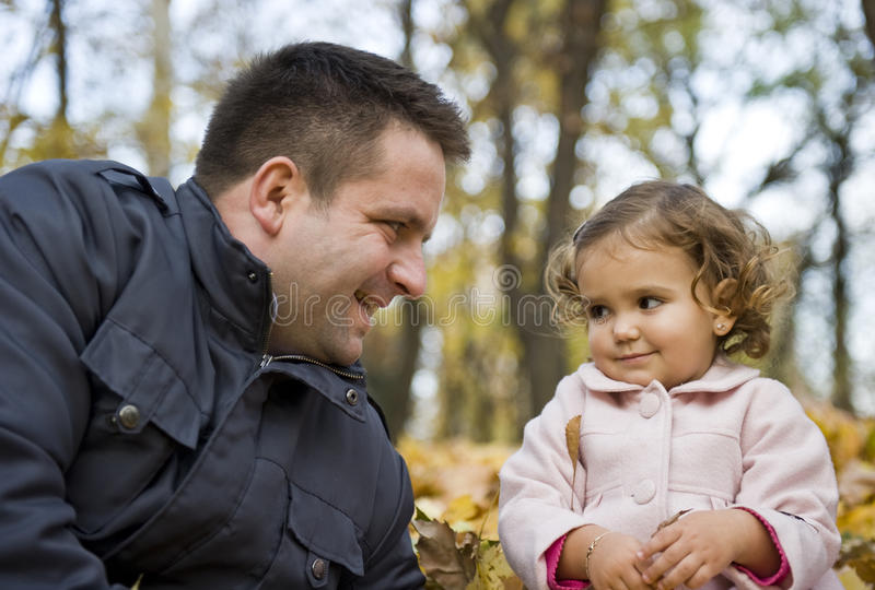 爸爸女儿 免版税库存照片