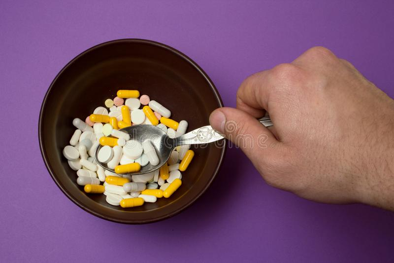 片剂早餐在碗的 免版税库存图片