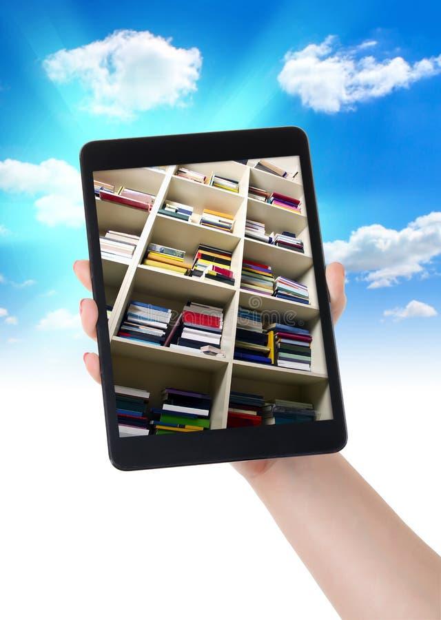 片剂eBook图书馆在手边 库存图片