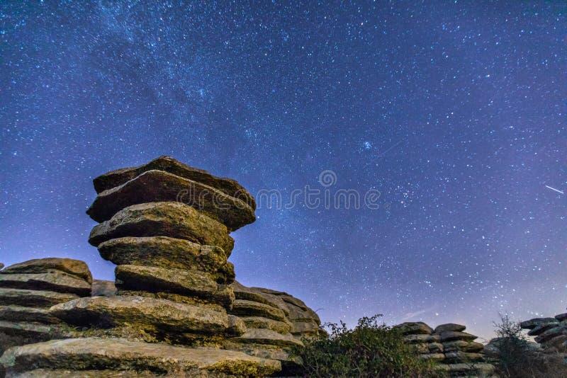 片岩的岩石在晚上在El Torcal自然公园 免版税库存图片