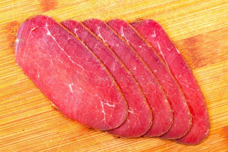 片式熏制的肉 库存照片
