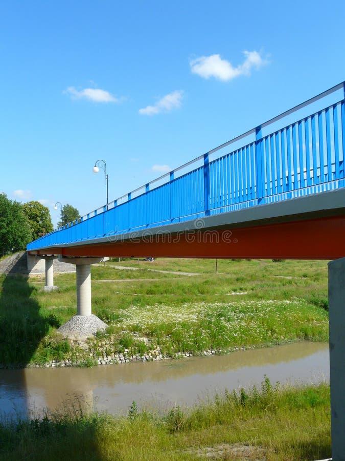 片斯克,西里西亚,在德语Nysa Luzycka的边界的波兰人行桥波兰和 免版税图库摄影