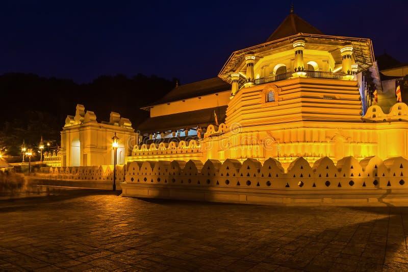 牙斯里Dalada Maligawa的寺庙在康提的斯里兰卡 库存图片
