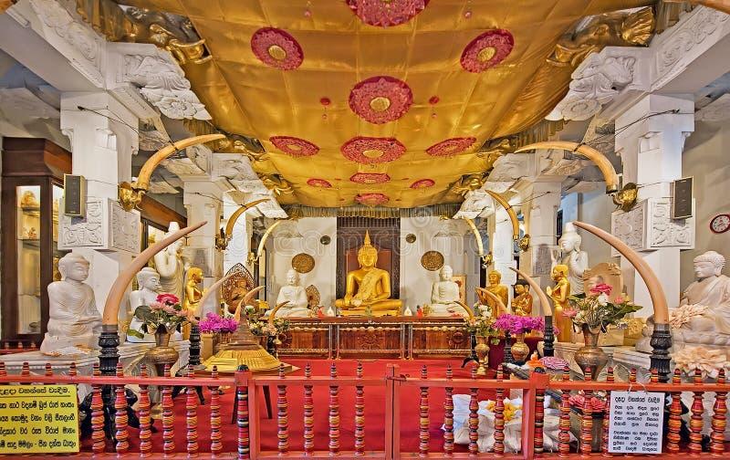 牙的寺庙寺庙在康提,斯里兰卡 免版税库存图片