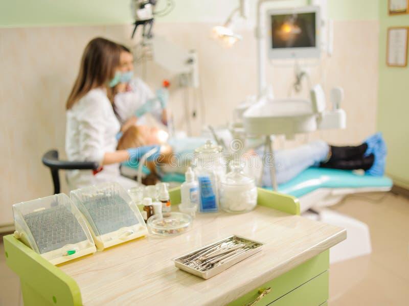 牙齿工具 医疗设备 库存照片