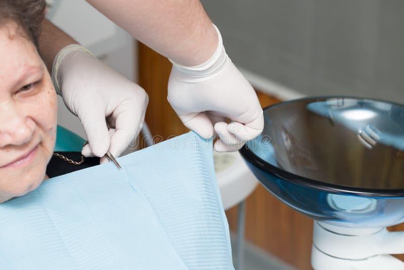 牙齿治疗在牙科方面 免版税库存图片