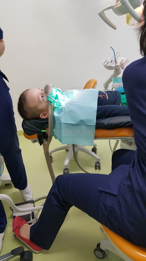 牙齿的孩子的 库存照片